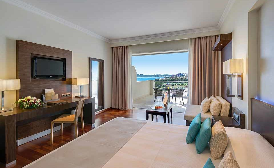 Elite_Club_Guestroom_Sea_View_ELYSIUM_RHODES_CAROUSEL