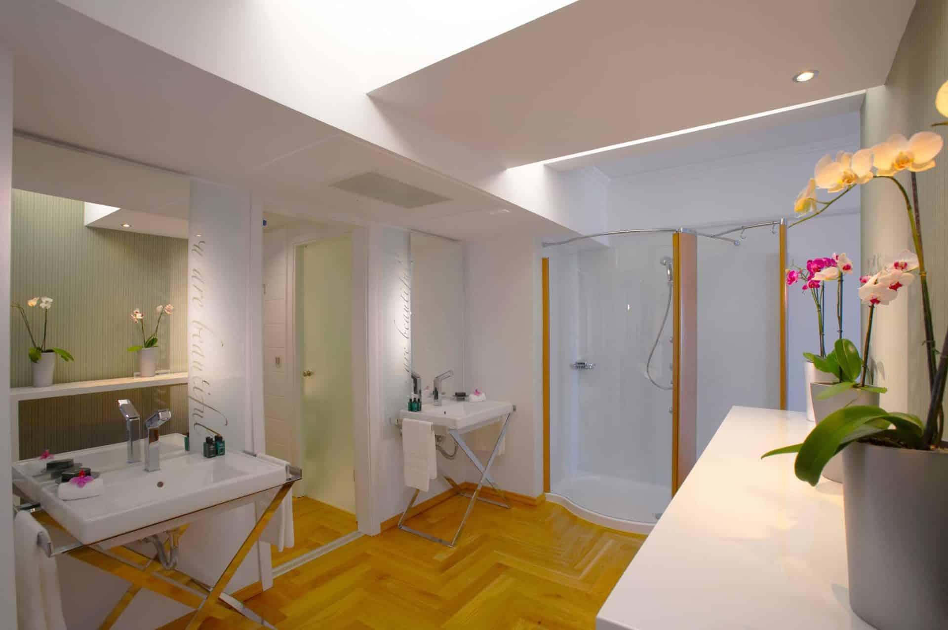 Presidential Suite Sea View Master Bathroom