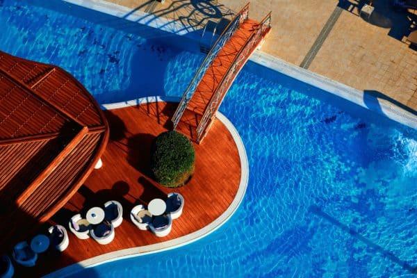 La Piscine Pool Bar