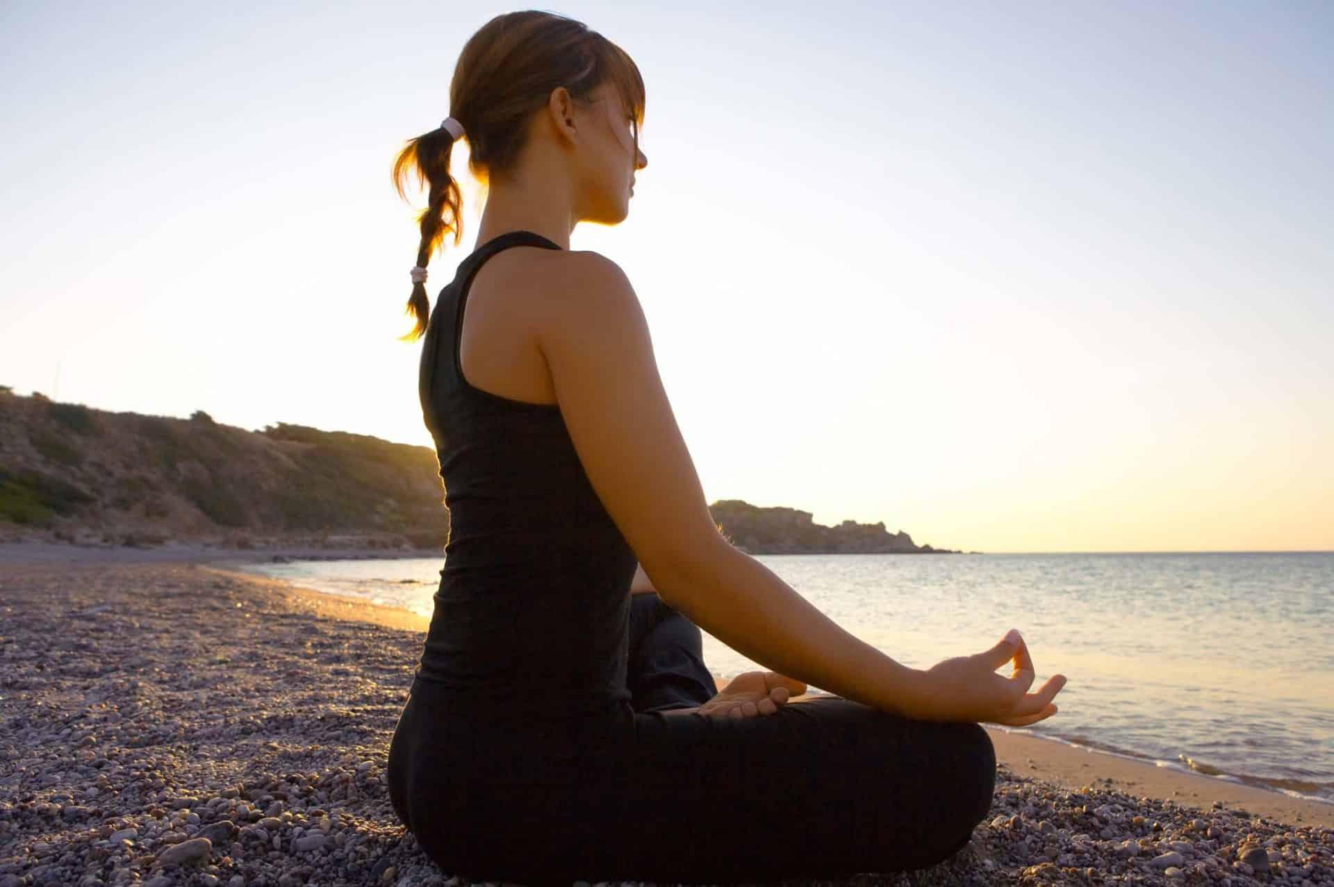 Yoga Lektion am Strand